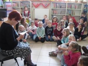 Lekcja biblioteczna w Oddziale dla Dzieci