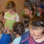Przedszkolaki w bibliotece w Gnojnicy (3)
